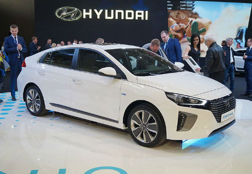 Is it time to sell your Hyundai Ioniq? Sell it quickly and easily with webuyanycar.com.