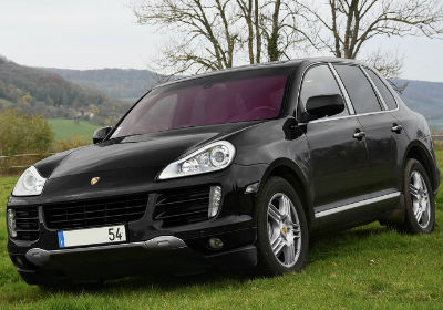 Do you want to sell your Porsche Cayenne? Start by entering your reg into the webuyanycar valuation calculator to receive your car's value.